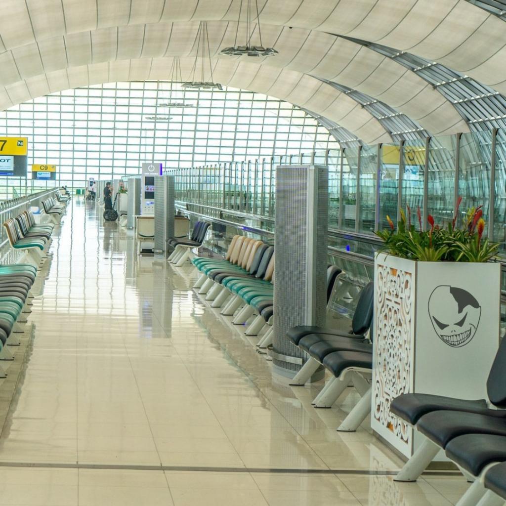 """14/12/2027 - Articolo """"Cancellati i voli nazionali e chiusi tutti gli aeroporti"""""""